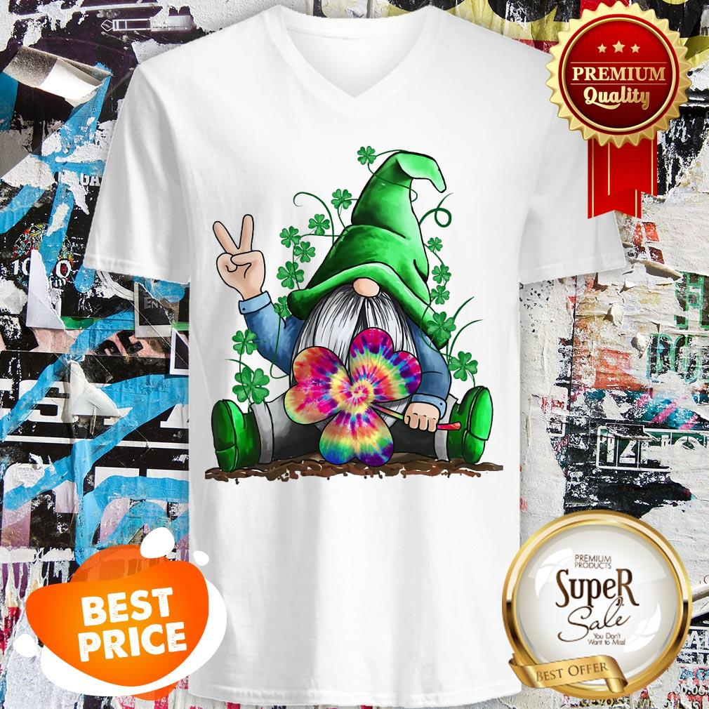 Nice Hippie Gnome St. Patrick's Day V-neck