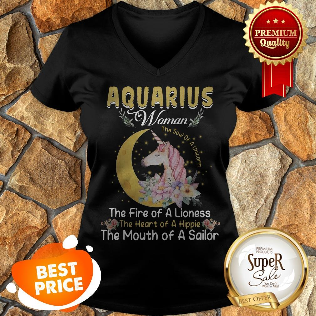 Unicorn Aquarius Woman The Soul Of A Unicorn The Fire Of A Lioness V-neck